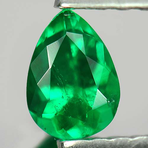 0.23 Ct. Attractive Pear Natural Gem Green Emerald Columbia